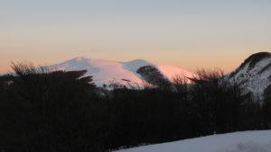La vetta della Montagnola ricoperta di neve